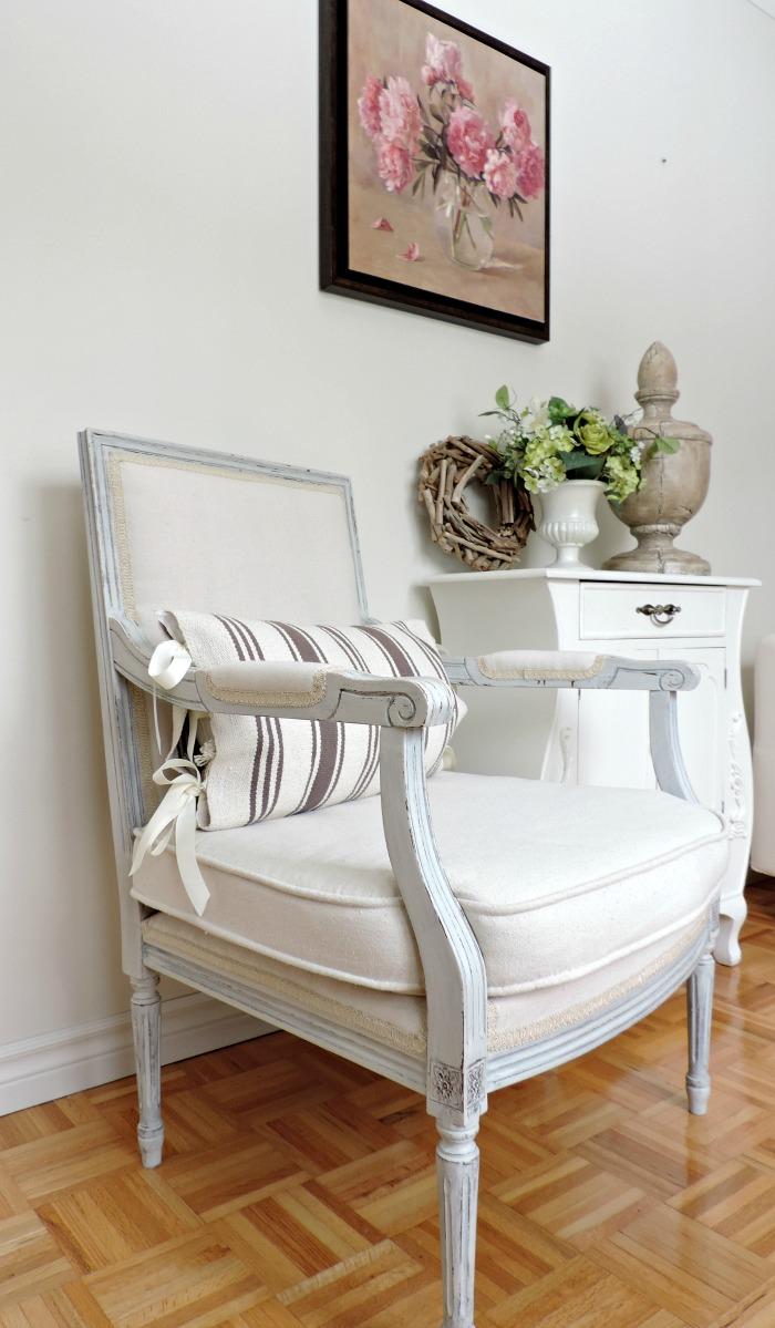 transformation d 39 un fauteuil r ver en couleur. Black Bedroom Furniture Sets. Home Design Ideas