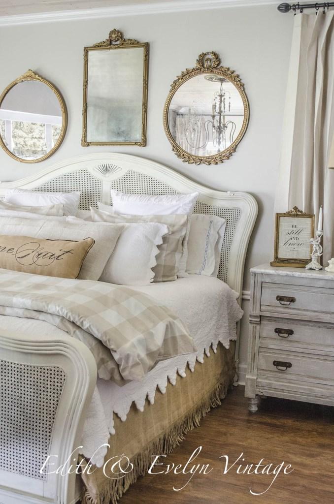 Projet de d coration dans la chambre des ma tres r ver en couleur Urban farmhouse master bedroom