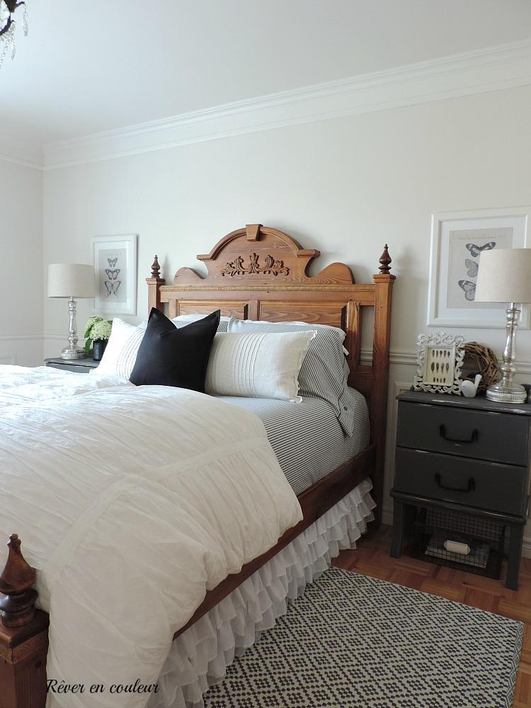 Décoration De Style Farmhouse Dans La Chambre à Coucher, Chambre Des  Maîtres En Gris Et